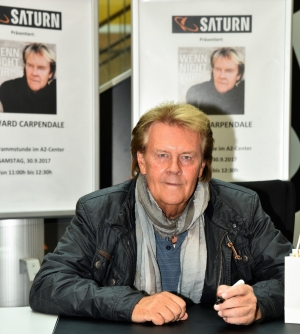 Howard Carpendale gab Autogrammstunde.